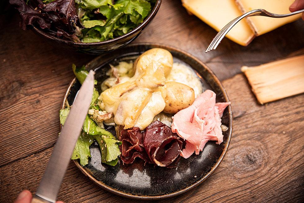 Assiette raclette et charcuteries