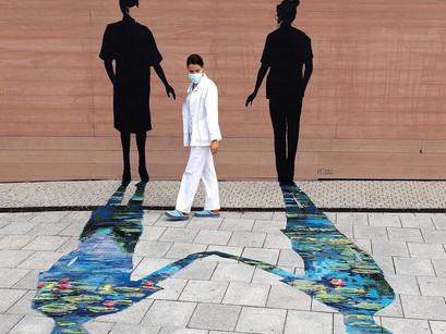 Arte urbano contra la pandemia, el homenaje de Pejac.