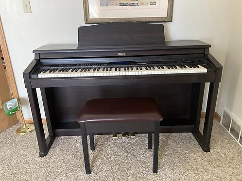 Roland KR 570 Digital Piano