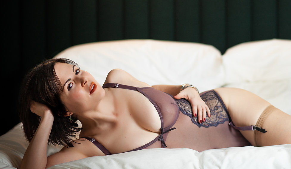 sensual-dominatrix-fantasy-role-play.jpg