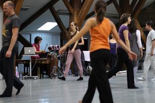«Entrez dans la danse» / Atelier du mouvement pour un public adultes amateurs