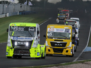 SMITH AND MÄKINEN BREAK CLEAR AT CONVOY IN THE PARK