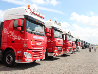 Over 100 Stunning Show Trucks at Donington