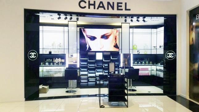Exhibidores Chanel