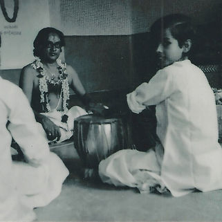 Sandeep Das with his Guru Pt. Kishan Maharaj during Guru Poornima