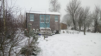 hut in snow.JPG