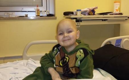 Terminal Child w/ Leukemia Kills Cancer Using Cannabis Oil