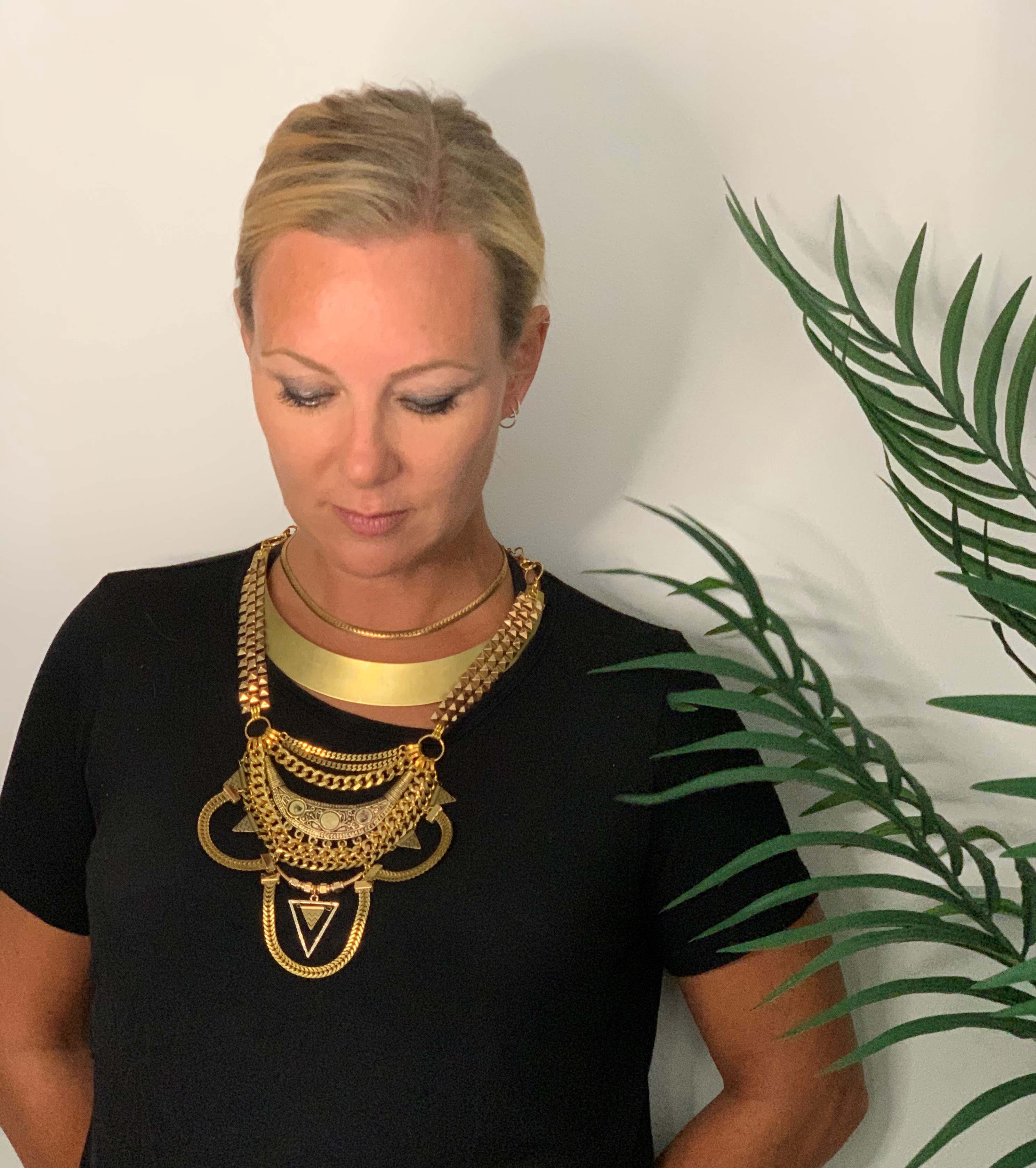Opulent Gold Collar Necklace