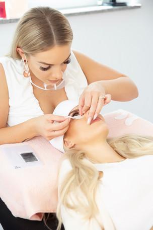 Behandlung Wimpernverlängerung