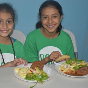 Students in Villa Nueva eats her lunch