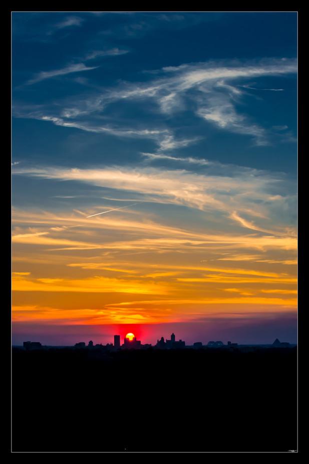 018 sun sets on Memphis-Memphis Photogra