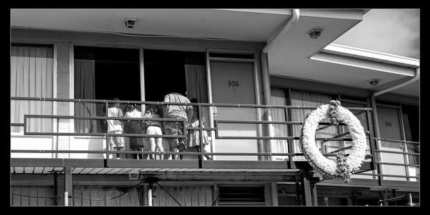 050 Kings Window-Memphis Photography-1.j