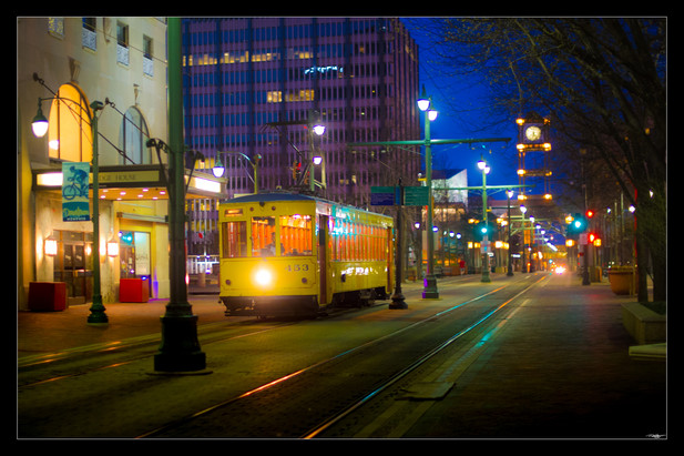 007 Main St Trolly 2-Memphis Photography