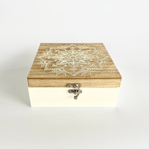 WOODEN MANDALA BOX - MEDIUM