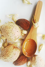 Shemana- botanical oils, plant- based ingredients, natural skincare -Almond oil