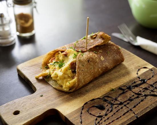 Egg&BaconPancakeWrap