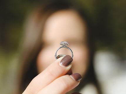 קונה טבעות יהלומים