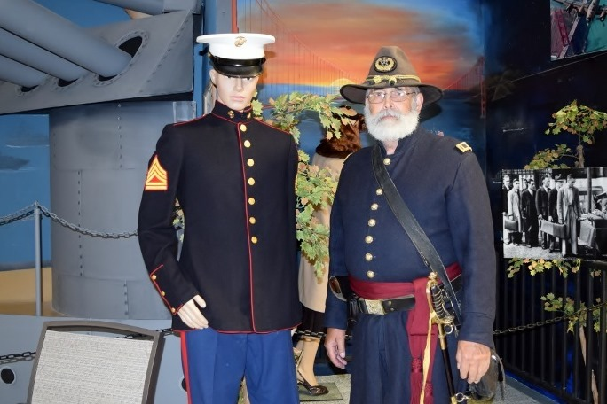 Civil War re-enactor meets modern Ma