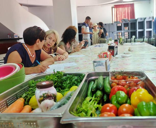 Volunteer Be'er-Sova Community Restaurant