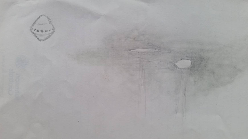 Pencil sketch of what was seen Friday and Saturday night. Spacecraft on Left, Light disc/circle in clouds.