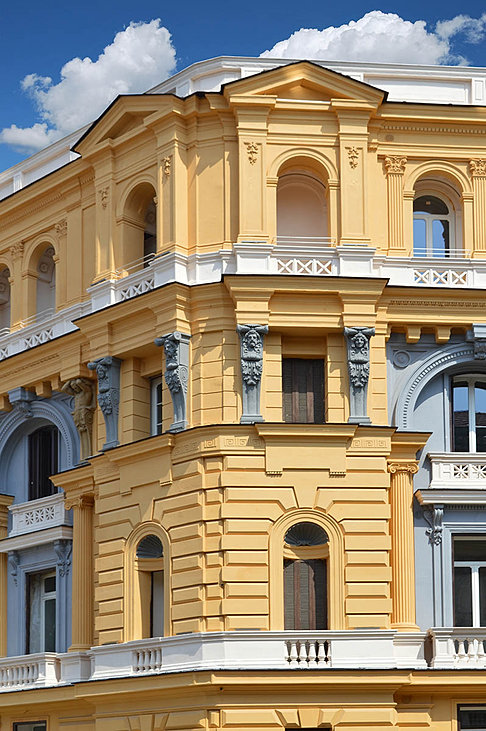 Palazzo nana 39 appartamenti in vendita a napoli for Appartamenti napoli