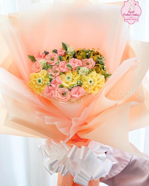 Bouquet of Flowers Cake.jpeg
