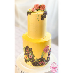 2 Tiered 8 Layer Cake