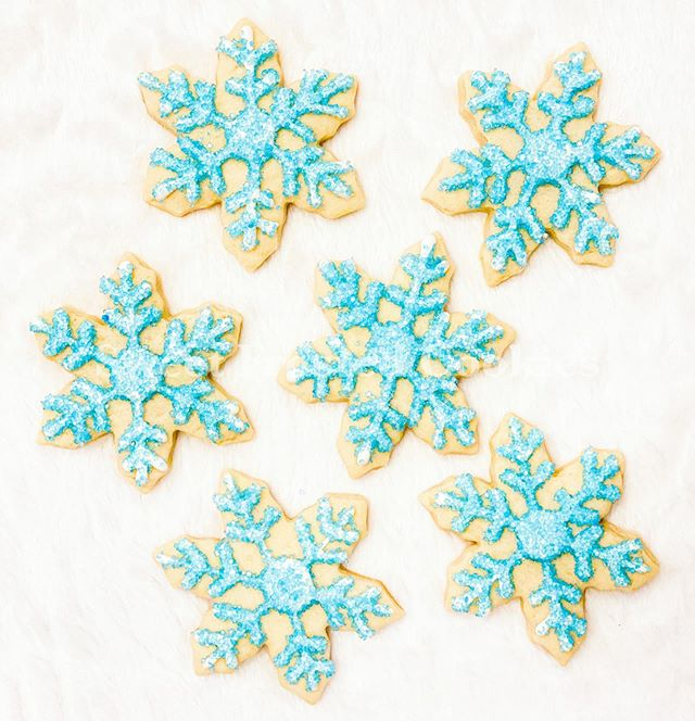 _To appreciate the beauty of a snowflake