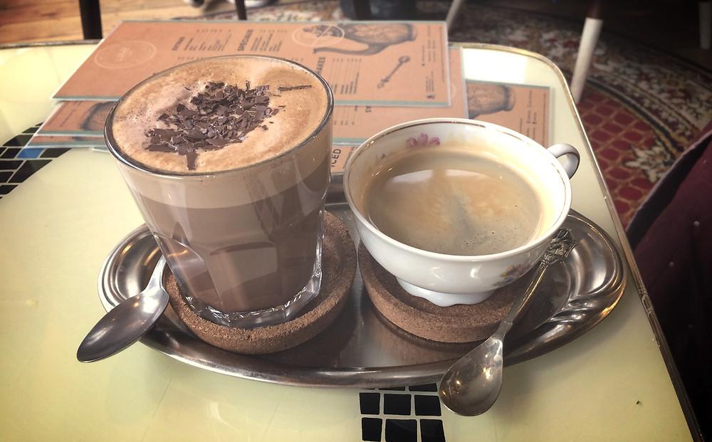 Café et mocha noir au café Lulu
