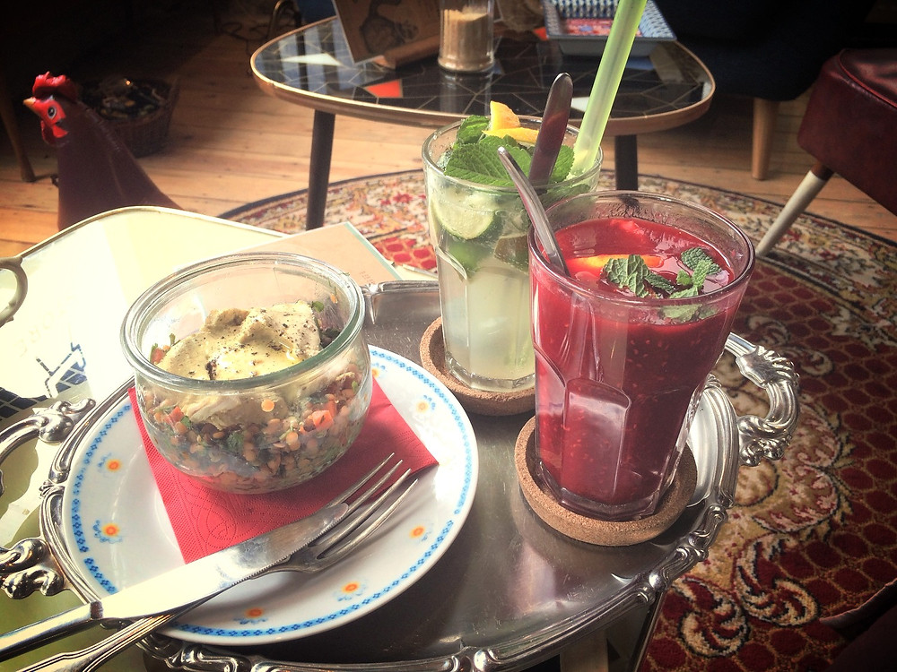 salade et cocktails de fruits