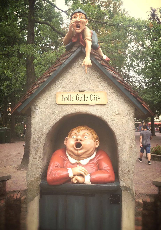 Holle Bolle Gijs (« L'insatiable mangeur de papier »)
