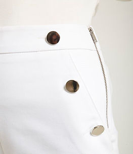 Crudo - Short de sarga con botones dorad