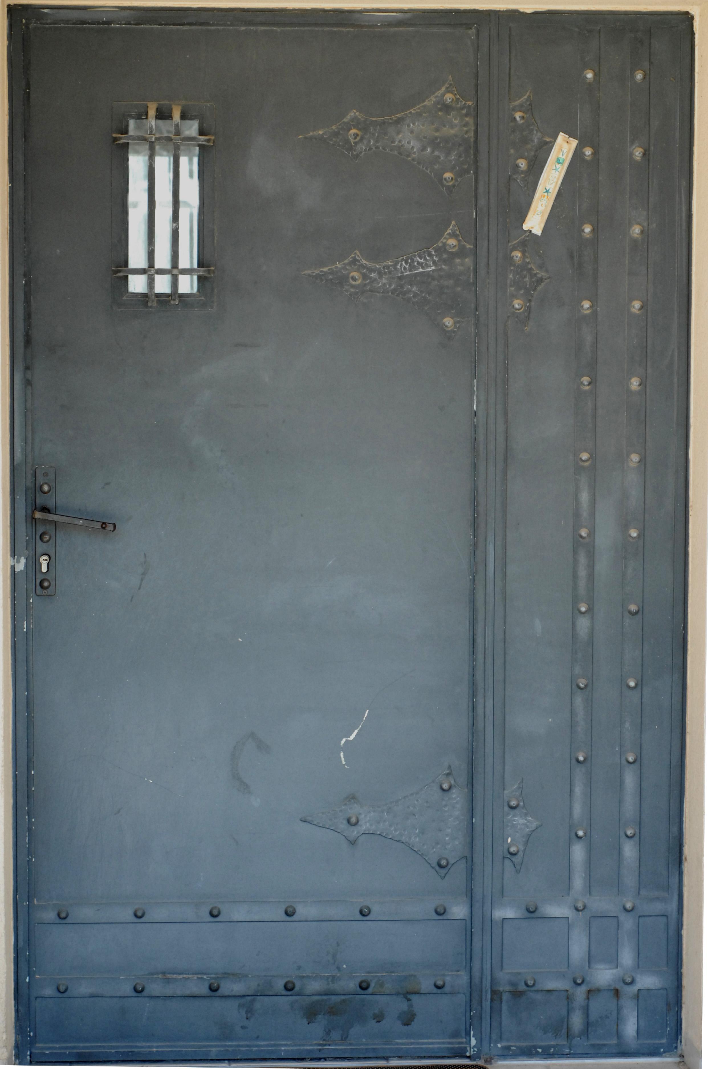 דלת כניסה מפרופיל בלגי