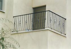 מעקה למרפסת חיצונית