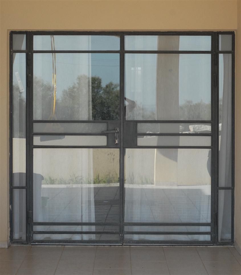 דלת יציאה למרפסת