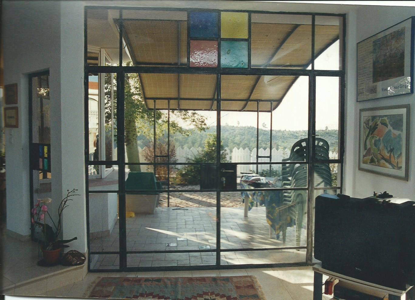 דלת וחלונות בלגיים