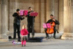 Street_musicians_in_Paris,_October_11,_2