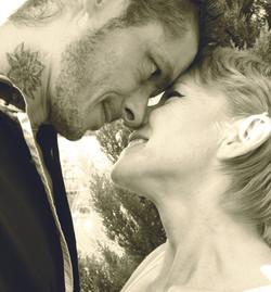 Un couple incroyable : Laetitia Elle et l'écrivain libertin Pierre Adonis, achetez leurs livres ici-