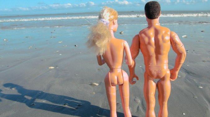 Que pensez-vous du naturisme ? êtes-vous naturiste ? nudiste ? Pourquoi ? Dites-nous sur le site web blog internet officiel de Pierre Adonis écrivain ! L'auteur du Cap d'Agde naturiste