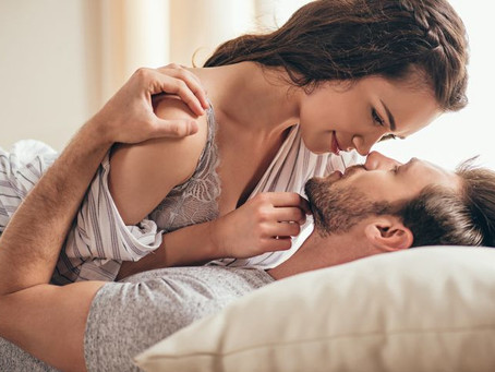 Le sexe fait-il tout dans le couple ? Répondez à Pierre Adonis site officiel