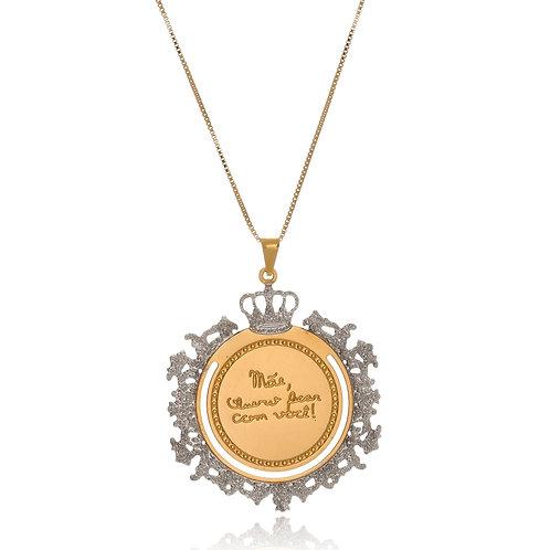 Colar Folheado Personalizado de Mandala com Frase, Coroa e Detalhes Ouro Branco