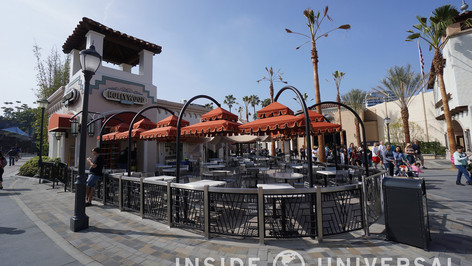 Hollywood And Dine Signage