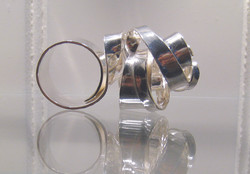 Ring sculture