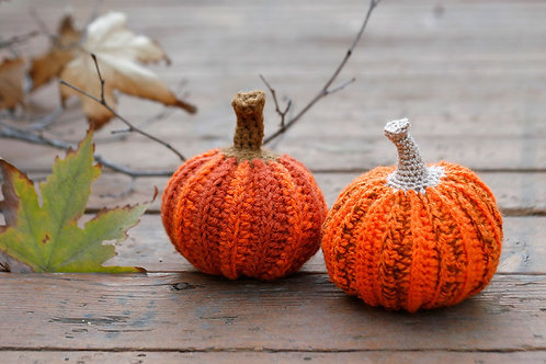 Crochet pumpkins, 12cm diameter, 2 pcs