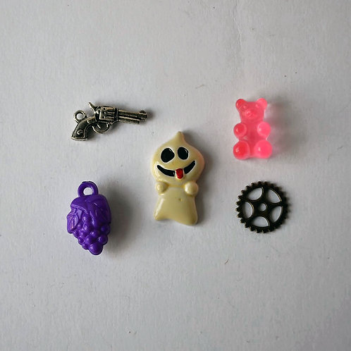 Letter G trinkets, 1-3cm, 5 objects