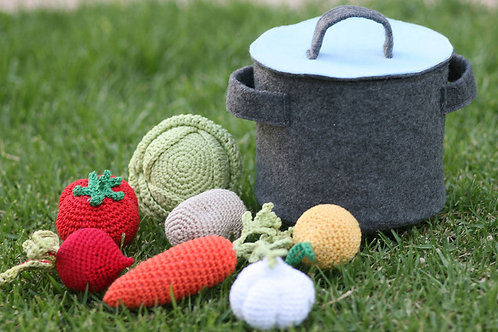 Soup play set Big size, Set of 7 crochet Vegetables and felt Pot