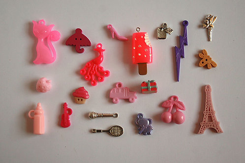 France I Spy trinkets collection, 1-6cm, Set of 20