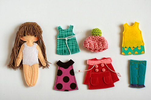 "Felt ""paper"" doll Starter set , 12cm doll, Set of 1 doll and 6 outfits, handmade by TomToy"