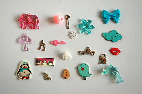 Icy I Spy trinkets collection, 1-4cm, Set of 20