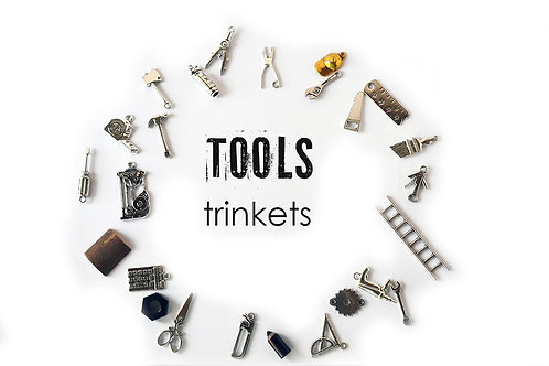 Tools theme I Spy trinkets, 1-3cm, Set of 25